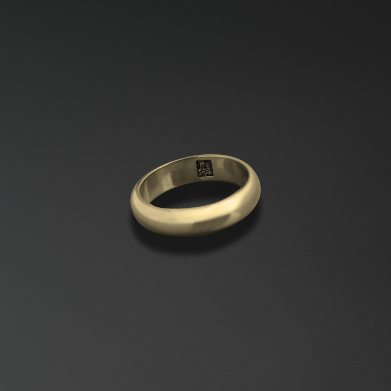 Wedding ring engraved with an image of Our Lady of Kazan